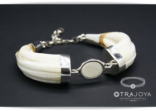 SILVER WILD BOAR TUSKS BRACELET WITH IVORY