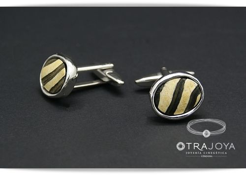 SILVER CUFFLINKS WITH BUFFALO HORN