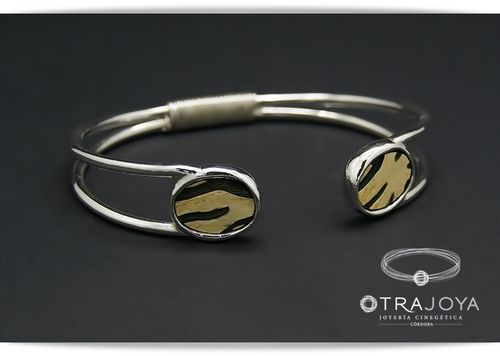 SILVER BRACELET WITH CARVED BUFFALO HORN PIECES