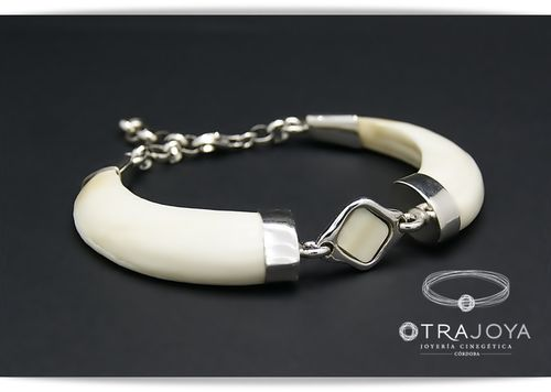 WILD BOAR TUSKS BRACELET SET IN SILVER WITH IVORY