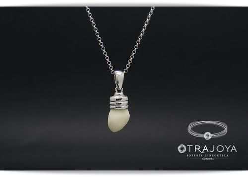 SILVER PENDANT WITH DEER TOOTH